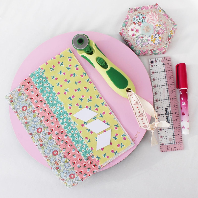 patchwork sewing epp hexagon needle book