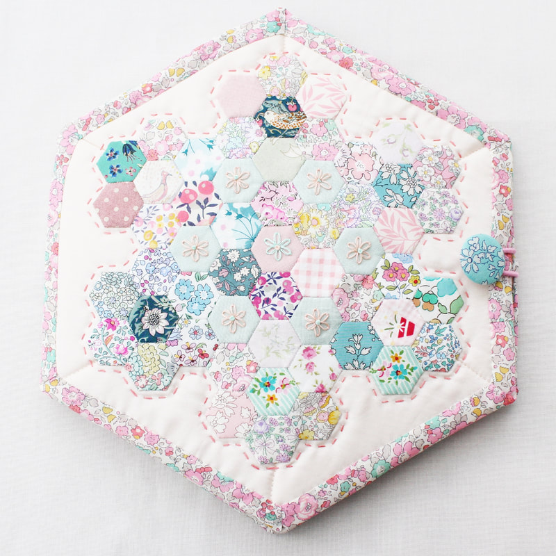 hexagon sewing case pattern epp