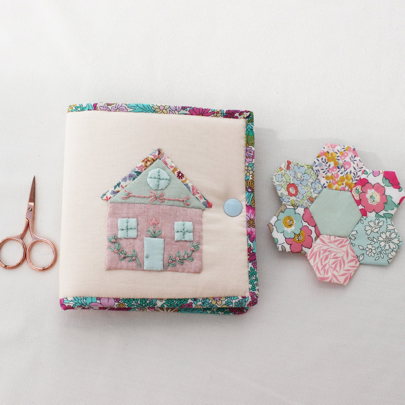 tiny sewing case with EPP house